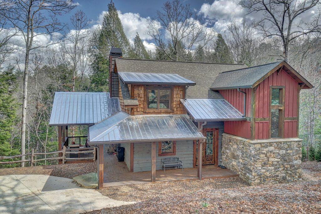 1437 Cherokee Lane Home