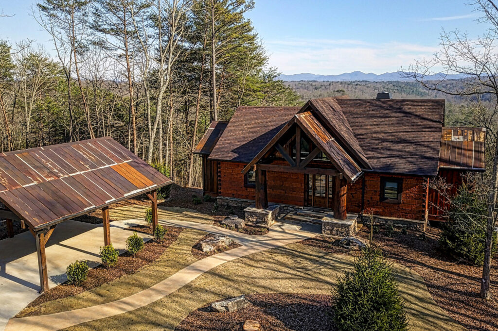 697 Summit St Home